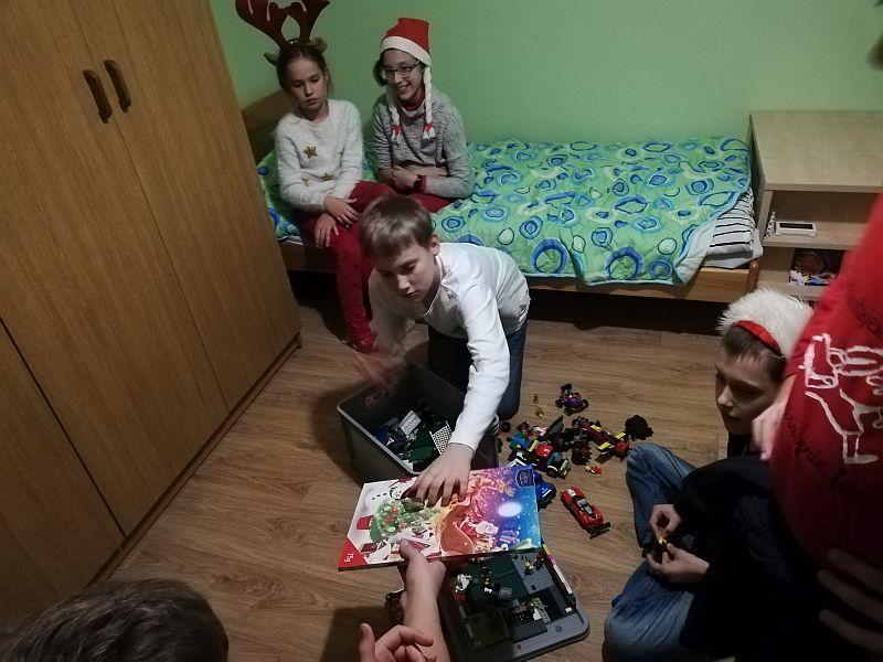 Mikołajki w Domu Dziecka 5a - 2018 - zdjęcie 6