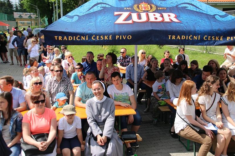 FESTYN RODZINNY W ZESPOLE SZKÓŁ SIÓSTR NAZARETANEK W KRAKOWIE - 2017 - zdjęcie 2