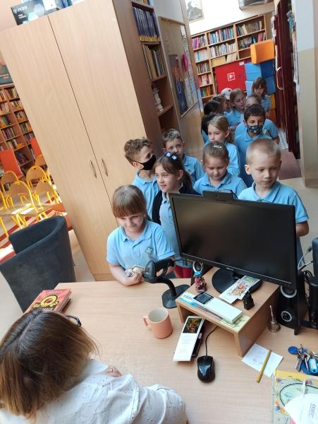 Spotkania autorskie z Justyną Bednarek w naszej bibliotece - zdjęcie 32