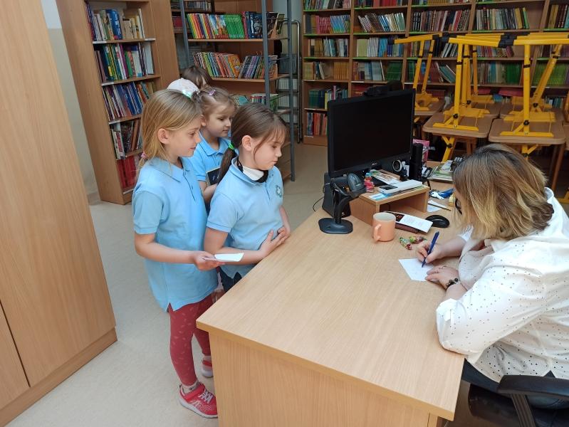 Spotkania autorskie z Justyną Bednarek w naszej bibliotece - zdjęcie 20
