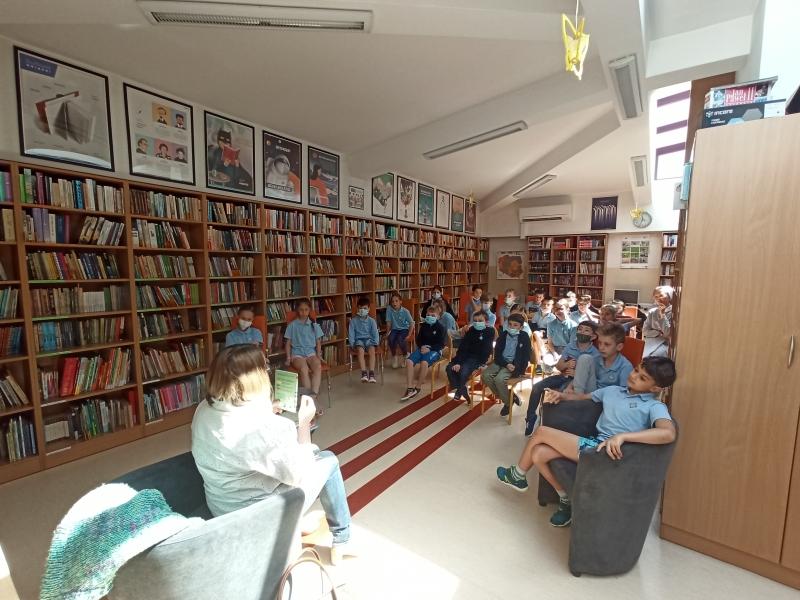 Spotkania autorskie z Justyną Bednarek w naszej bibliotece - zdjęcie 25