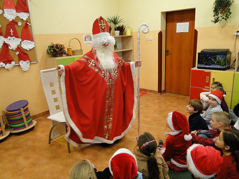 Mikołaj w naszej szkole - zdjęcie 10