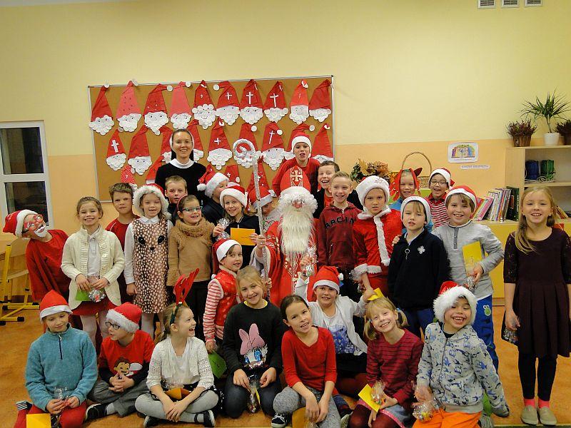 Mikołaj w naszej szkole - zdjęcie 12