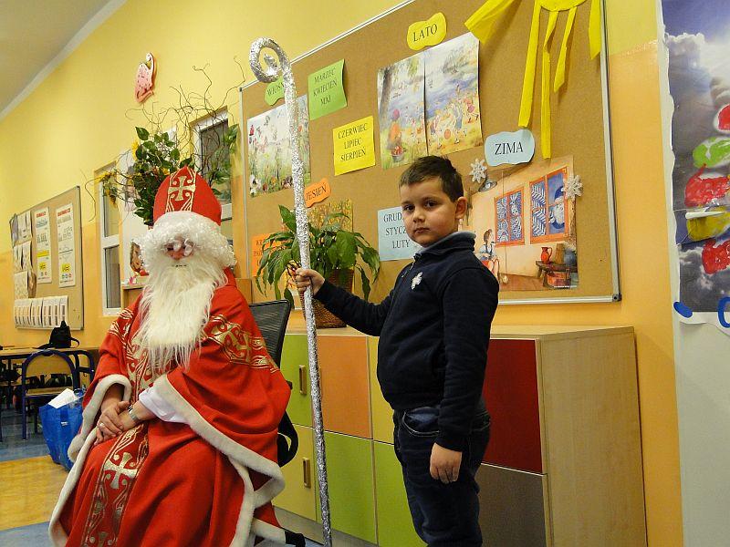 Mikołaj w naszej szkole - zdjęcie 13
