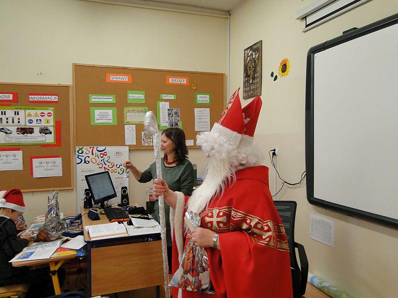Mikołaj w naszej szkole - zdjęcie 17