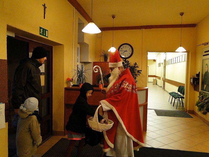 Mikołaj w naszej szkole - zdjęcie 1