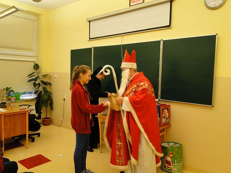 Mikołaj w naszej szkole - zdjęcie 5