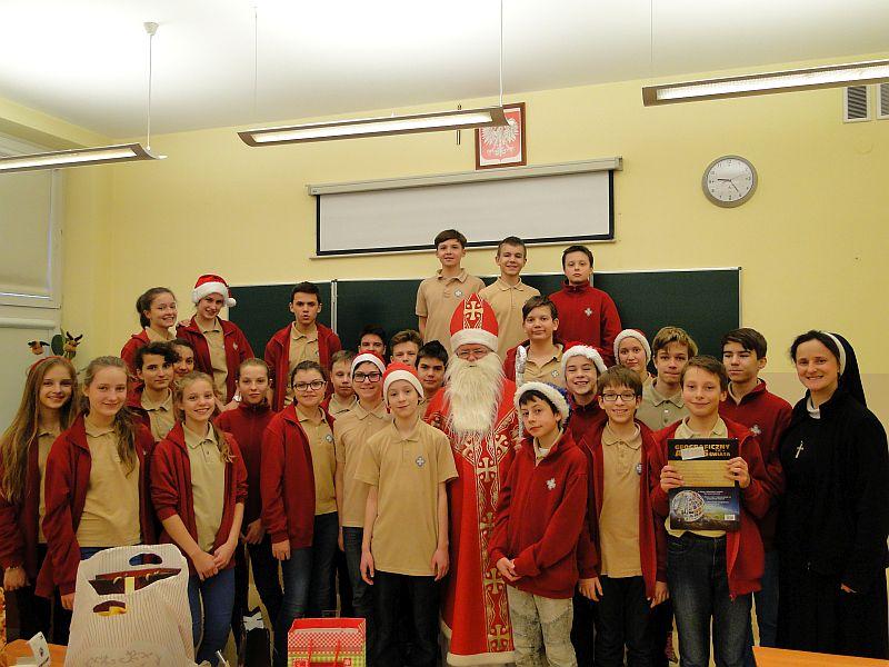 Mikołaj w naszej szkole - zdjęcie 6